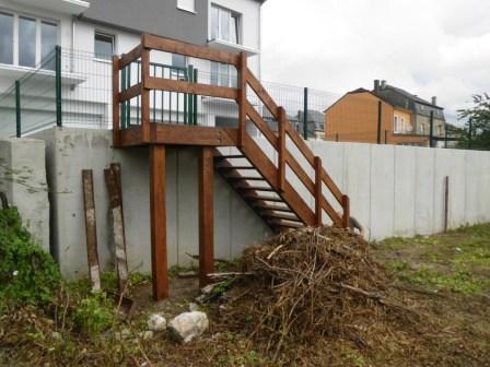 Nouvelles perspectives emploi s rl constructions bois for Escalier en bois exterieur